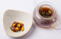 Pork 'noodles', piggy tea, mustards, kombu and shony