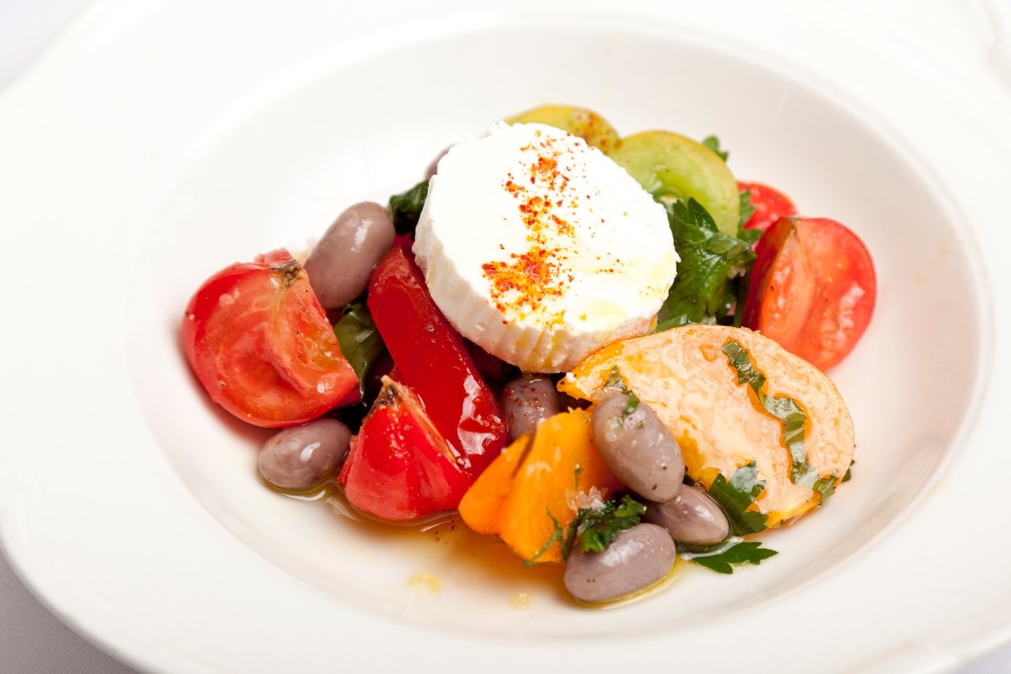 Tomato, borlotti bean and Provençal goat's cheese salad