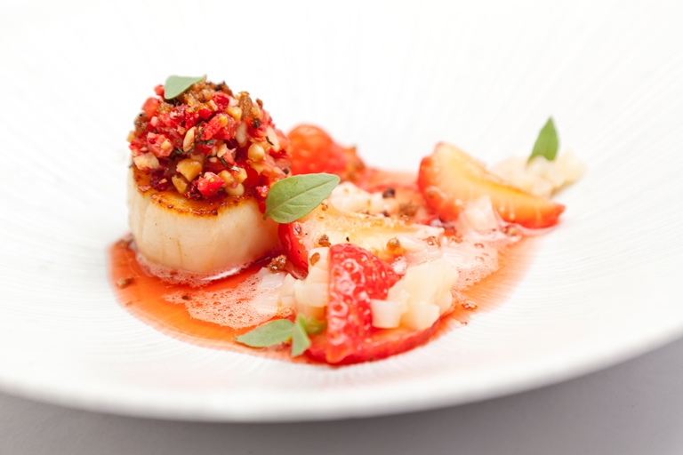 Scallops with strawberries recipe great british chefs scallops strawberries and balsamic fandeluxe Gallery