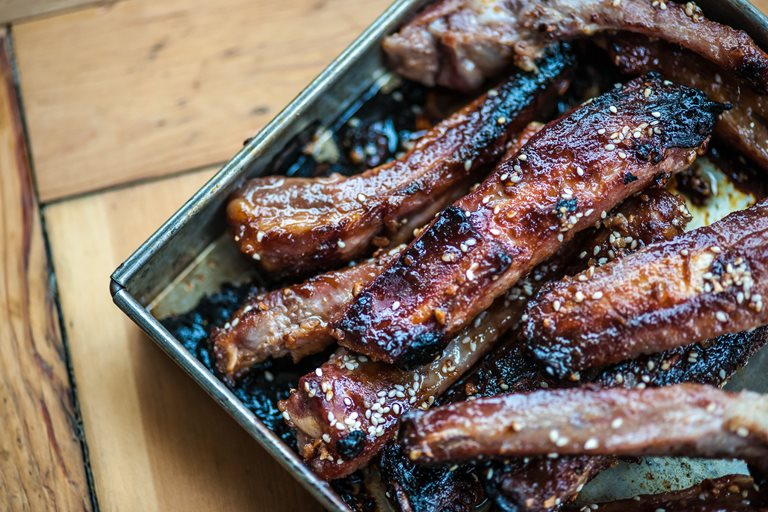 Sticky sesame pork ribs