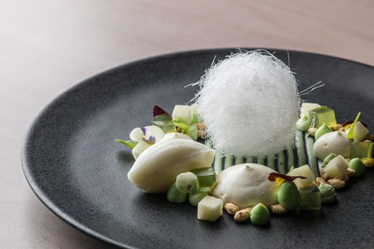Sheep's milk mousse, pandan curd and caramelised puffed rice
