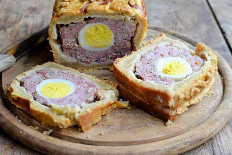 Gammon and egg gala pie