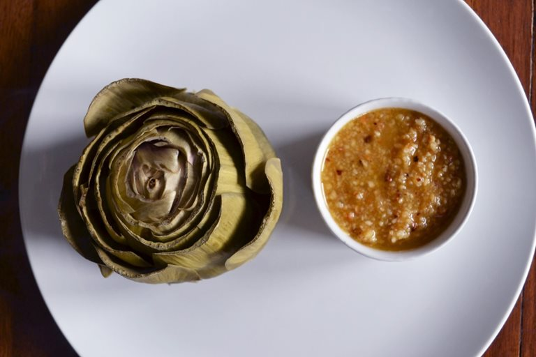 Artichokes with hazelnut butter
