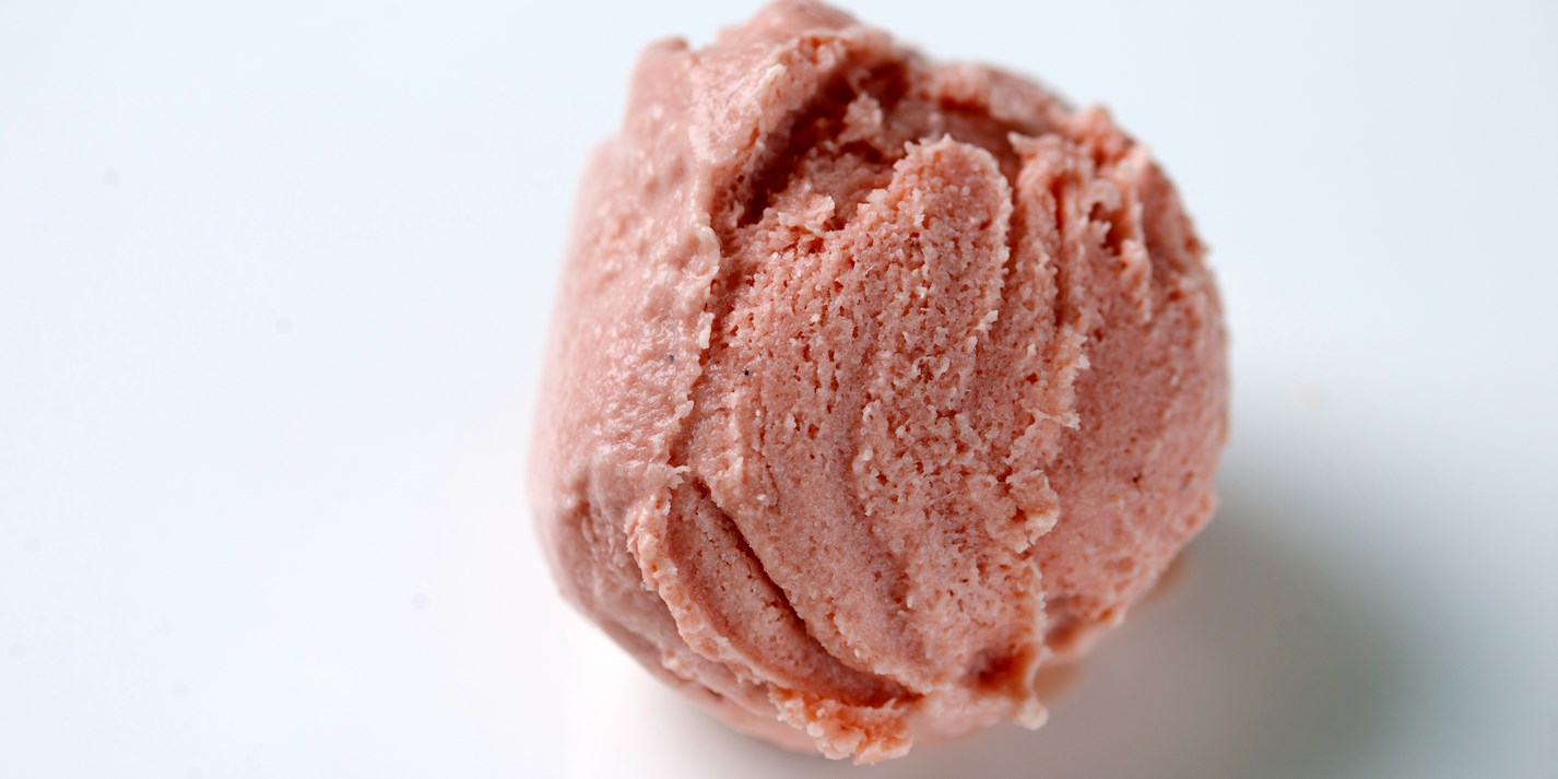 How to make strawberry ice cream