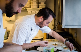 Jason Atherton at the pass