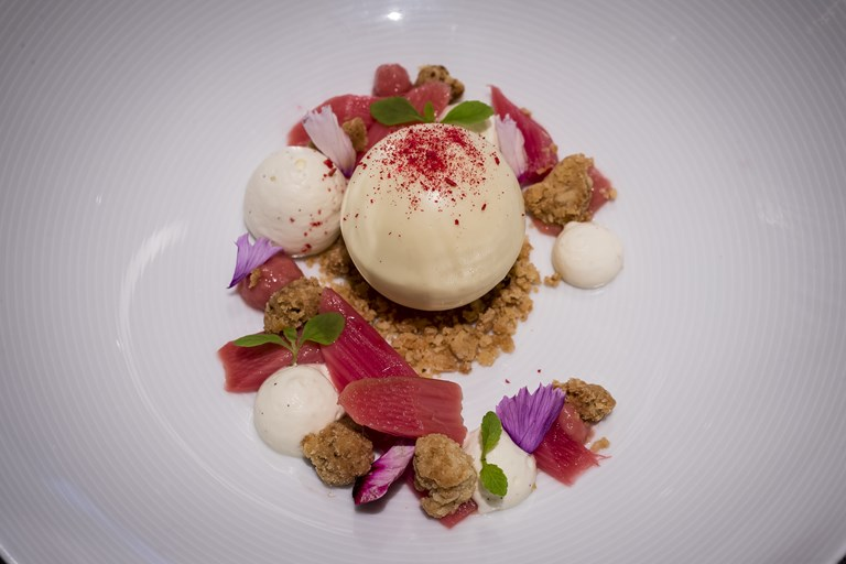 Rhubarb and custard