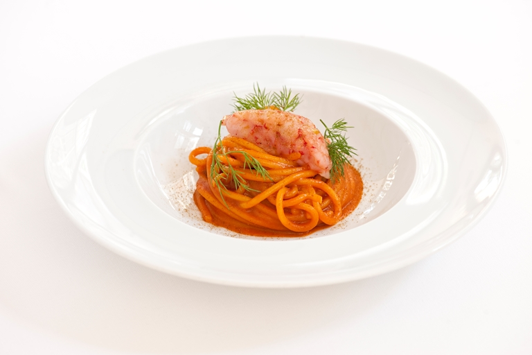 Benedetto Cavalieri Spaghettone with red prawns and wild fennel