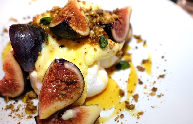 Meringues, lemon posset, black figs and pine nut praline
