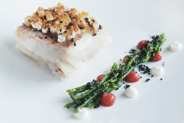 Turbot au gratin with citron, cocoa nibs, lardo, sea asparagus and rhubarb compote recipe