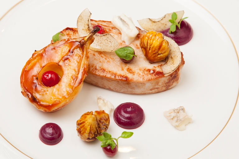 Sous-vide turkey breast, red cabbage, pear tart tatin, gorgonzola, chestnut