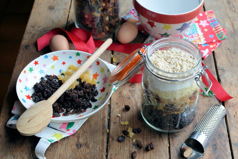 Edible Gift: Christmas Pudding in a Jar