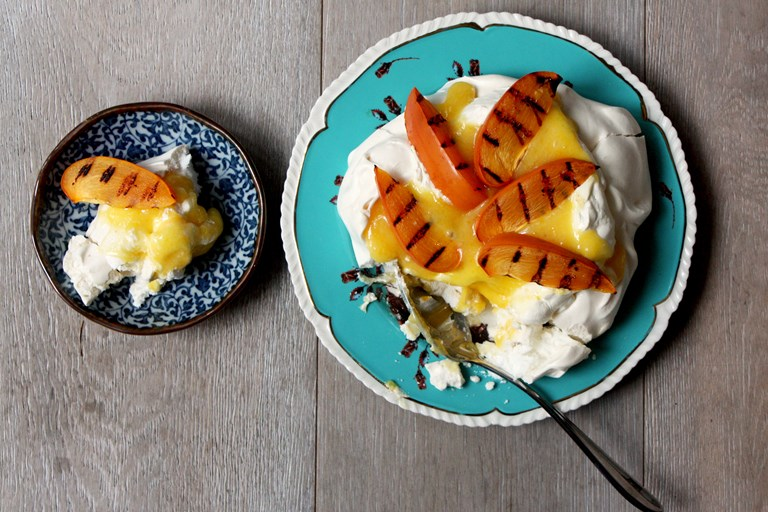 Meringue with yuzu curd and griddled persimmon