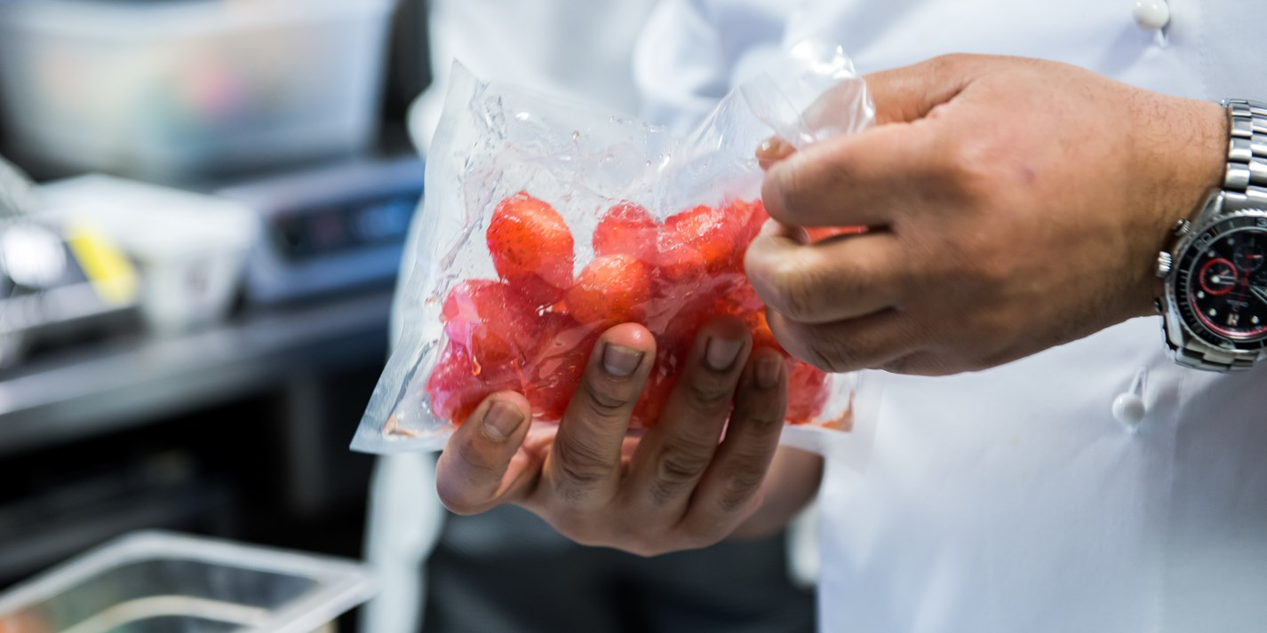 How to macerate strawberries sous vide