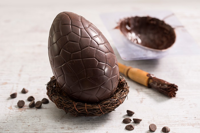 Five delicious homemade easter gifts great british chefs how to make an easter egg negle Gallery