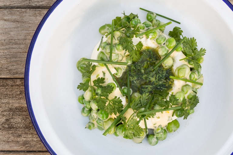 Ricotta with organic peas, broad beans and gremolata