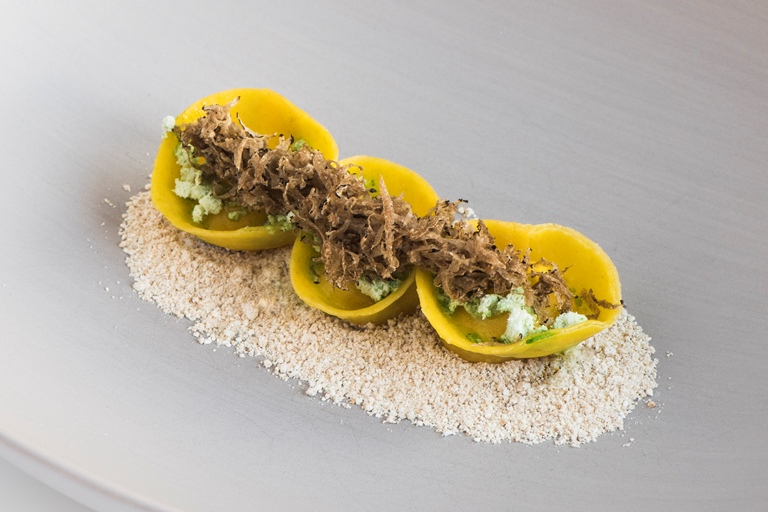 Tortellini with Kerschbaum cheese, powder of pine oil and barley