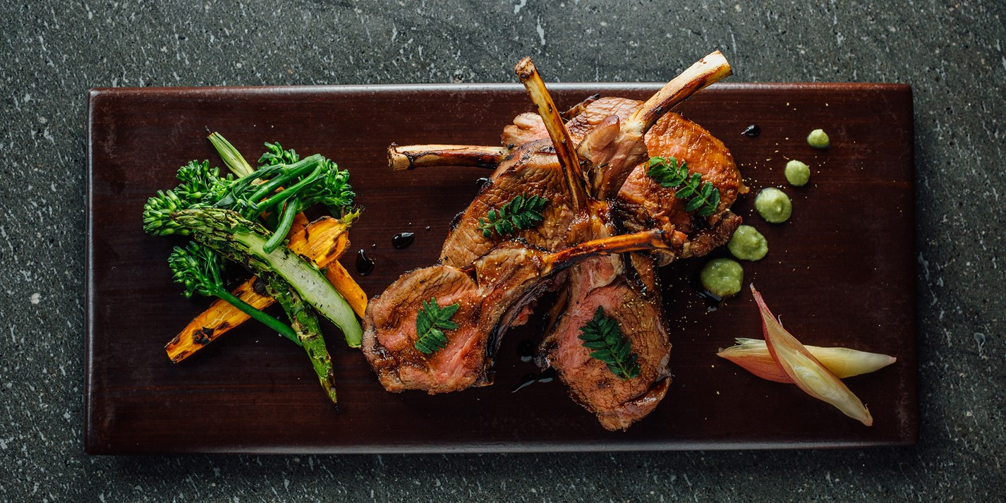 How to prepare a rack of lamb into cutlets
