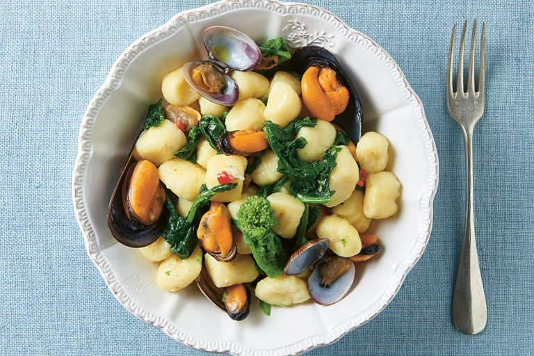 Gnocchi with broccoli, mussels and clams