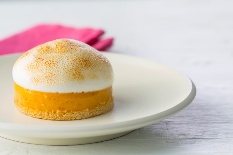 Vegan pumpkin meringue pie