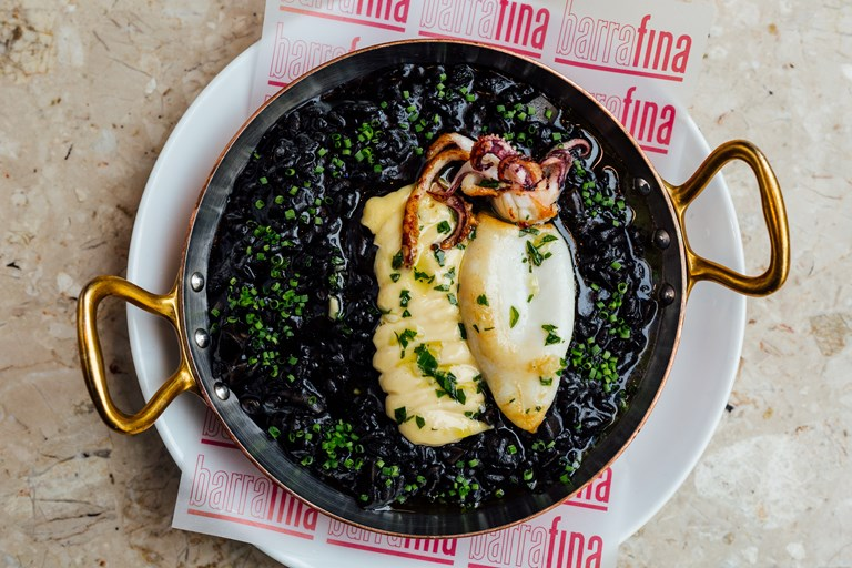 Squid ink rice