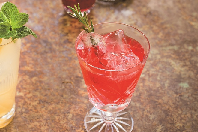 6 simple cocktails to make at home