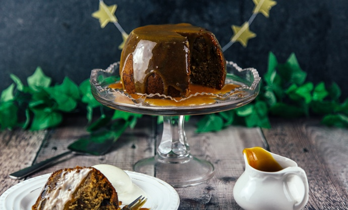 Gingerbread pudding with toffee sauce