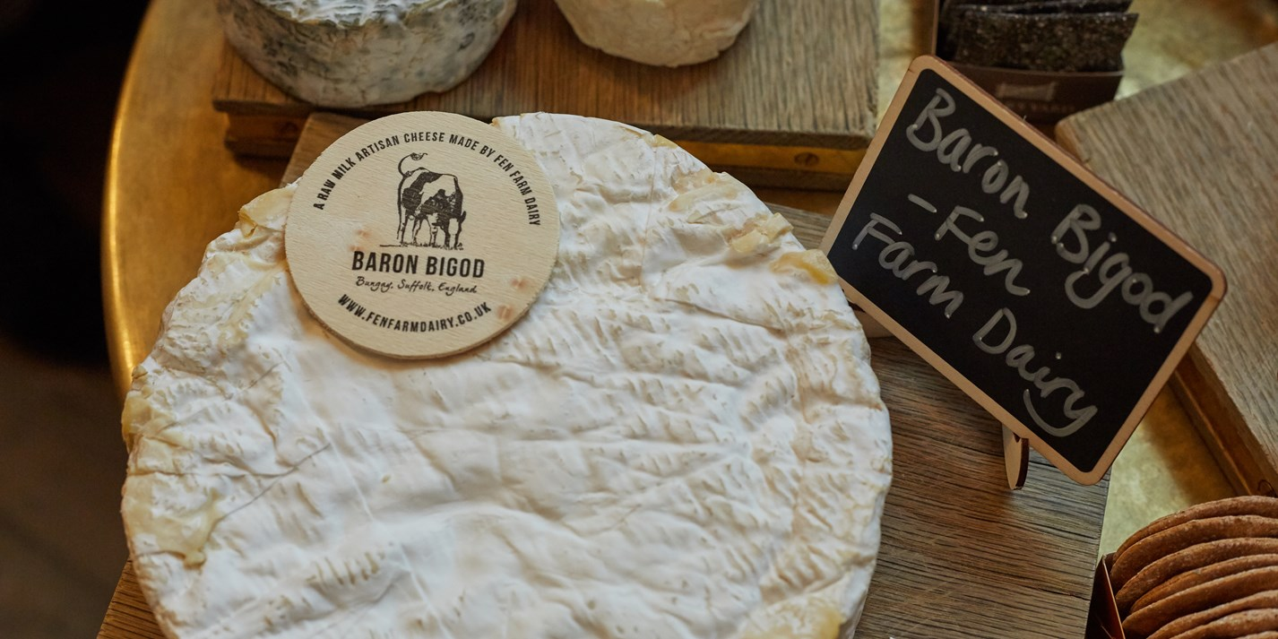 A guide to building the perfect Christmas cheese board