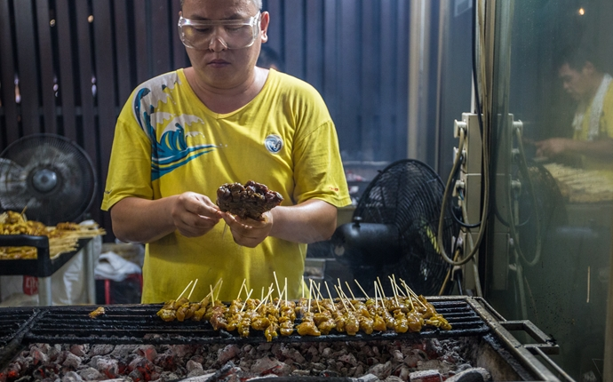 In pictures: a street food tour of Singapore