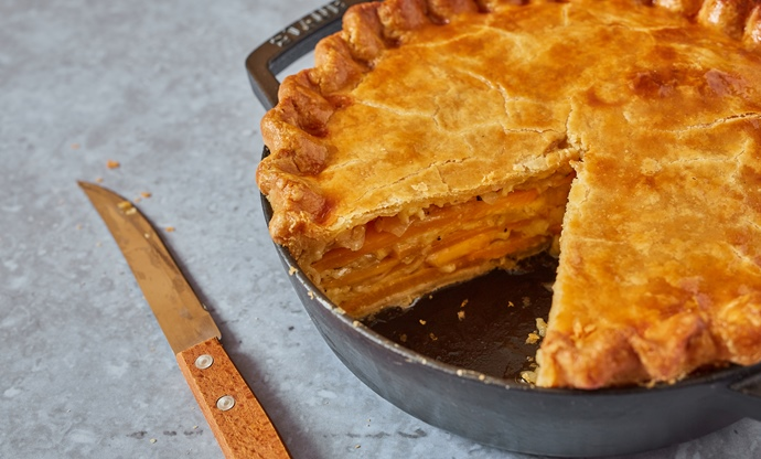 Swede, onion and cheese pie