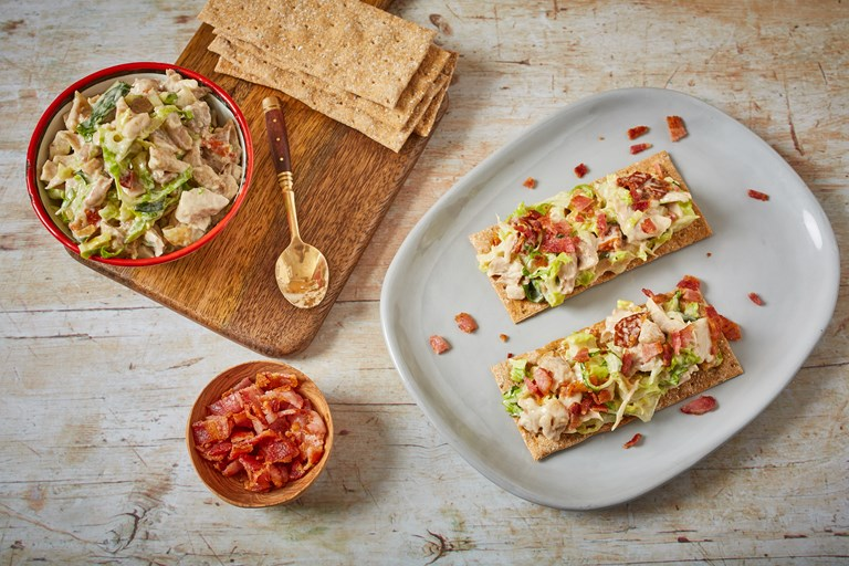 Roast chicken BLT crispbreads