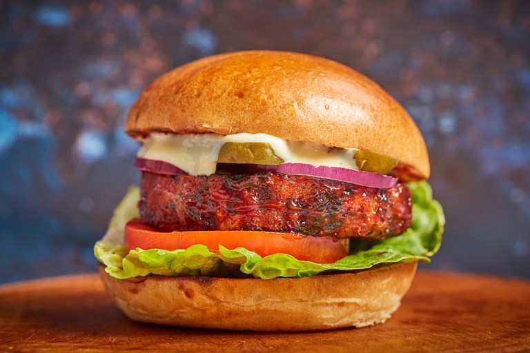 Barbecue celeriac burger