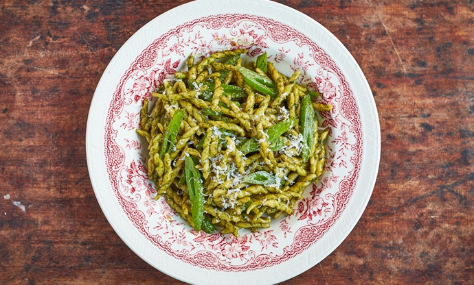 Runner bean and pesto trofie