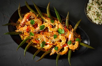 Caril de camarão com quiabos – Macanese curried prawns and okra