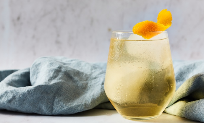 Whisky and ginger cocktail