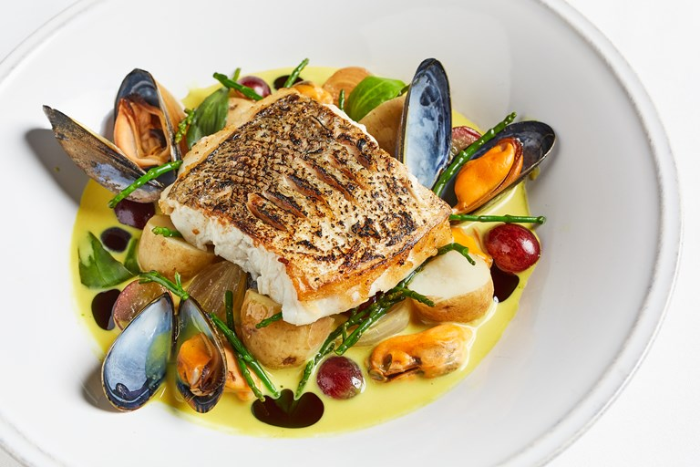 Hake with mussels, potatoes and light curry velouté
