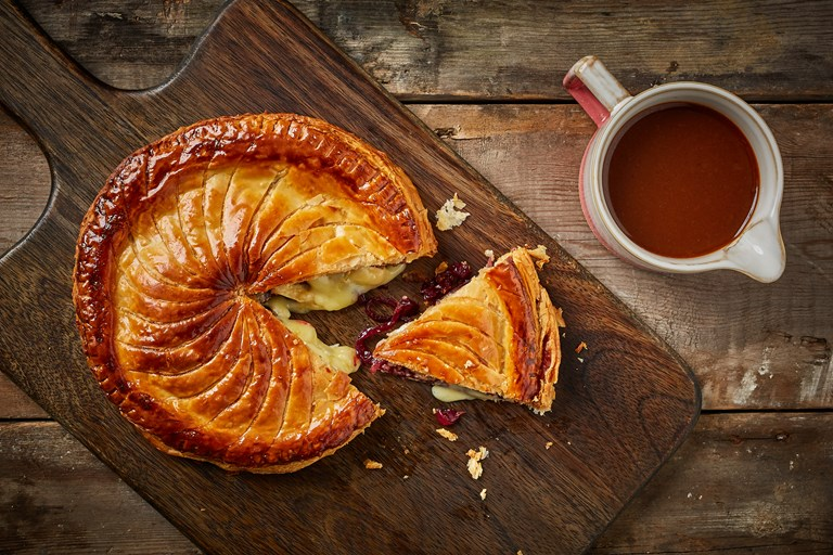 Brie, cranberry and red onion pithivier