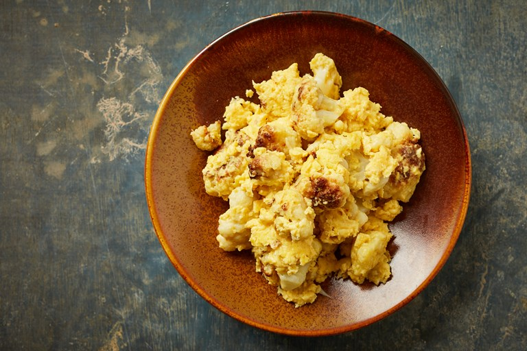 Cauliflower and Egg Scramble (Pan Monlar Kyet U Kyaw)