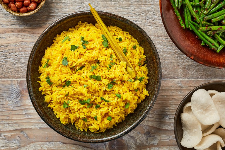 Turmeric rice and spicy green beans