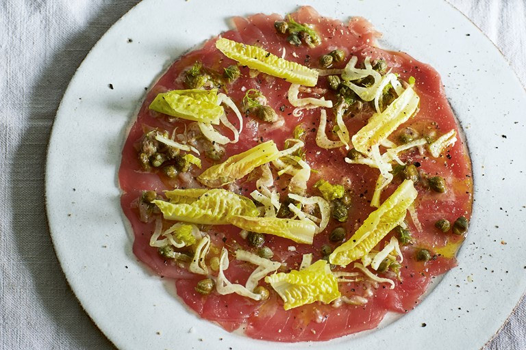 Tuna carpaccio with fennel and lemon