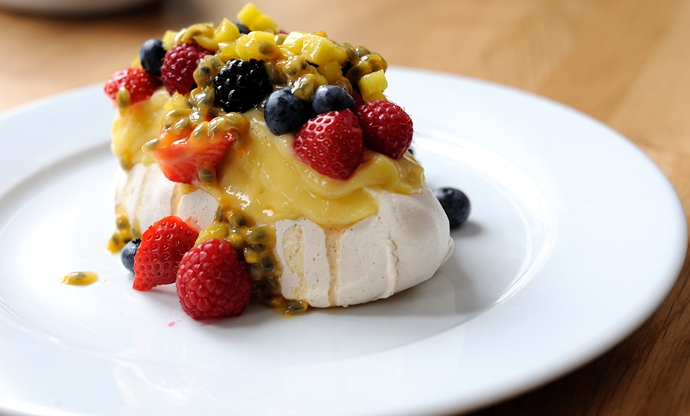 Mini Pavlova with lime curd and fresh fruit